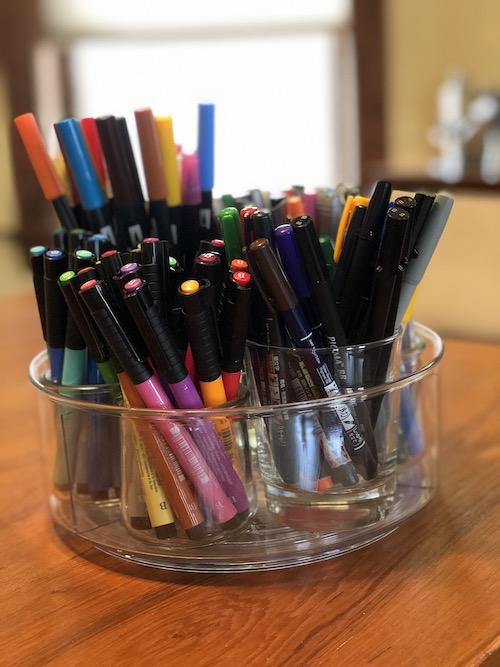 Organizing lettering pens